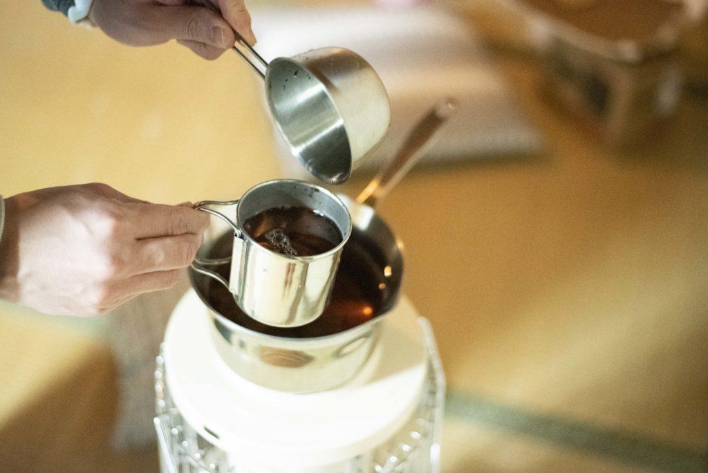 つぎはぎ荘 石油ストーブ 紅茶